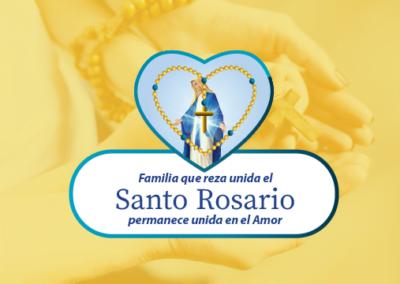 Familia que reza unida el Santo Rosario permanece unida en el Amor
